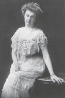 "Blanche (Hinman) Garland circa 1906. She wore pearl ""dog collar"" rest of her life"