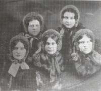 Amanda Josephine Miller and classmates including sister Harriet